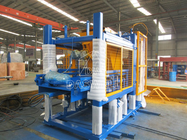 QT5-15 cement block making machine for sale