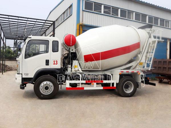 DW-4 mobile concrete mixer truck
