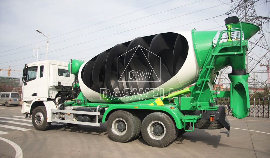 internal structure of mobile ready mix concrete mixer truck