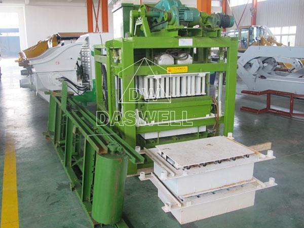 QTJ4-25 brick block moulding machine