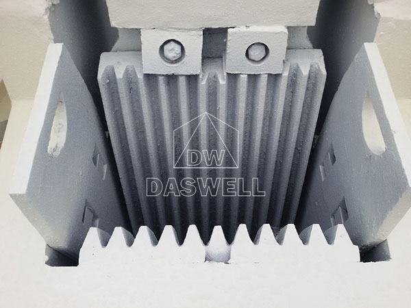 PE250400 daswell machine crusher