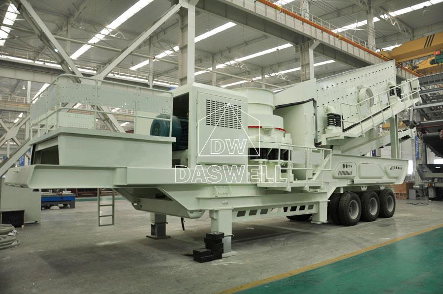mobile type crushing equipment