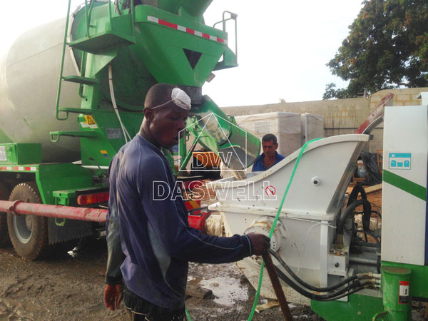 wide application of concrete cement mixer truck