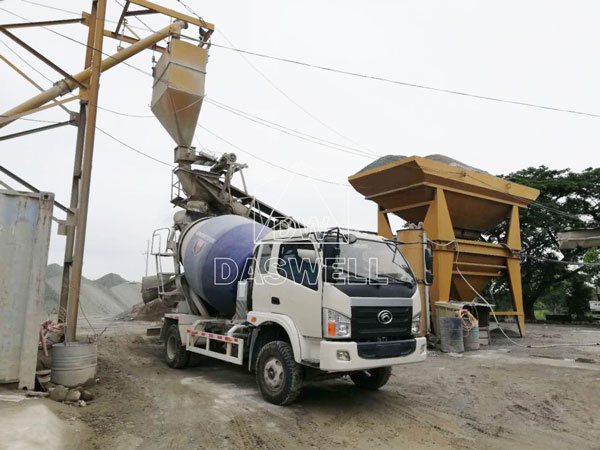 wile use of mixer truck