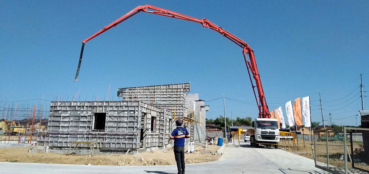33m boom concrete truck