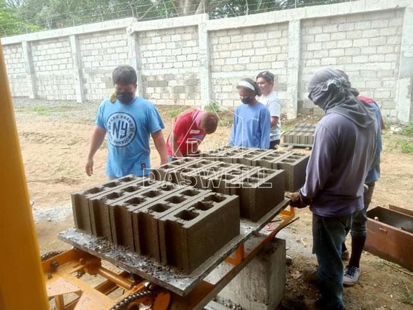 QTJ4-26 brick makers