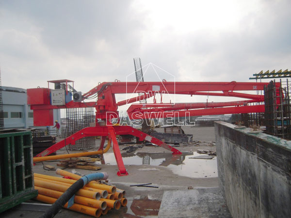 HGY13 booms
